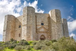 CAstel_del_Monte, CASTELLO, castel del monte, misteriose ricerche, magia, astronomia, federico II