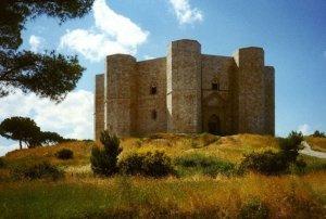 castel-del-monte, CASTELLO, castel del monte, misteriose ricerche, magia, astronomia, federico II