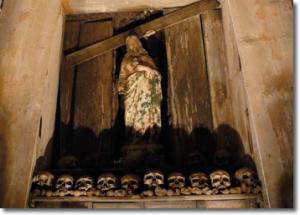 cimitero_delle_fontanelle luogo di culto ossario
